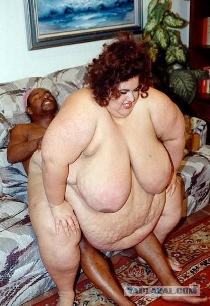 Топчет мужика женщина толстая
