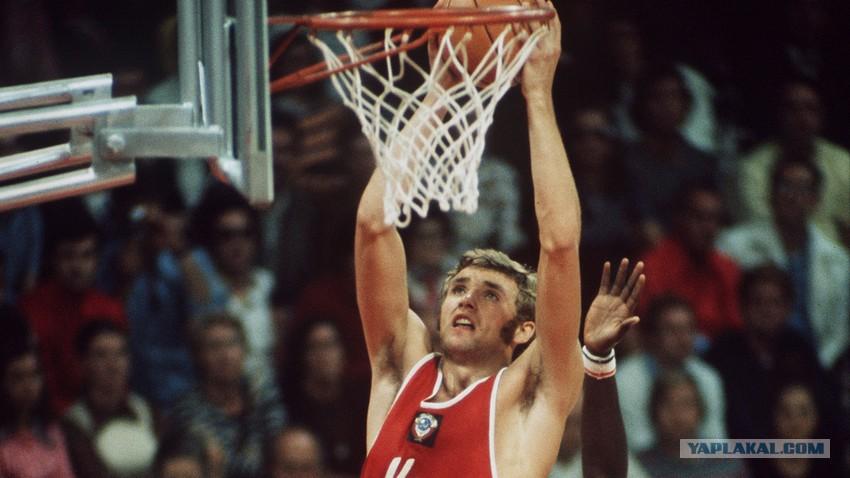 «Если бы не баскетбол, он умер бы раньше». Александр Белов — герой трех секунд, ушедший в 26 лет.
