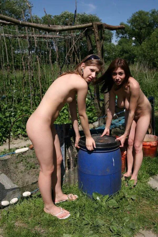 Ненасытная тетя фото голые семьи в саду гришаева ххх