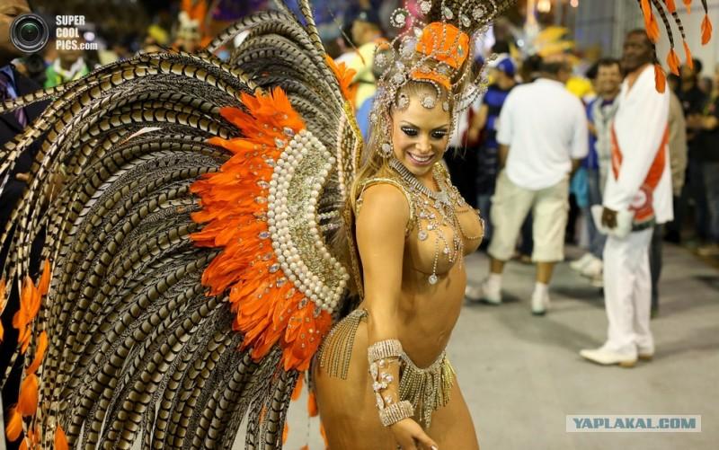 Фото сисек бразильский карнавал фото 461-651