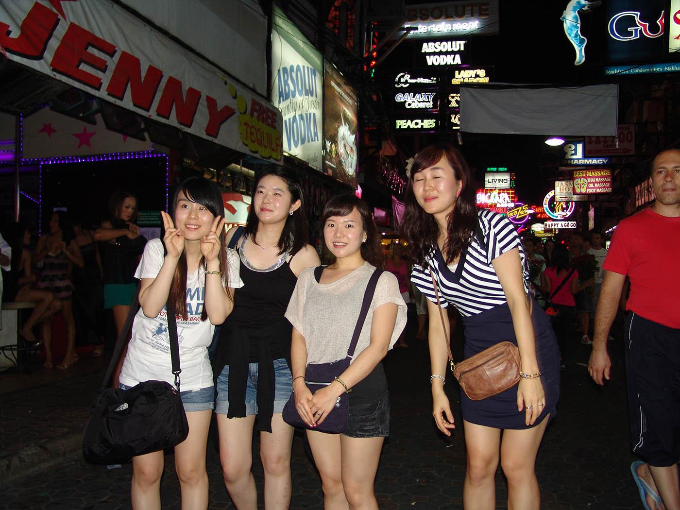 Проститутки китае камелот тюмень проститутки