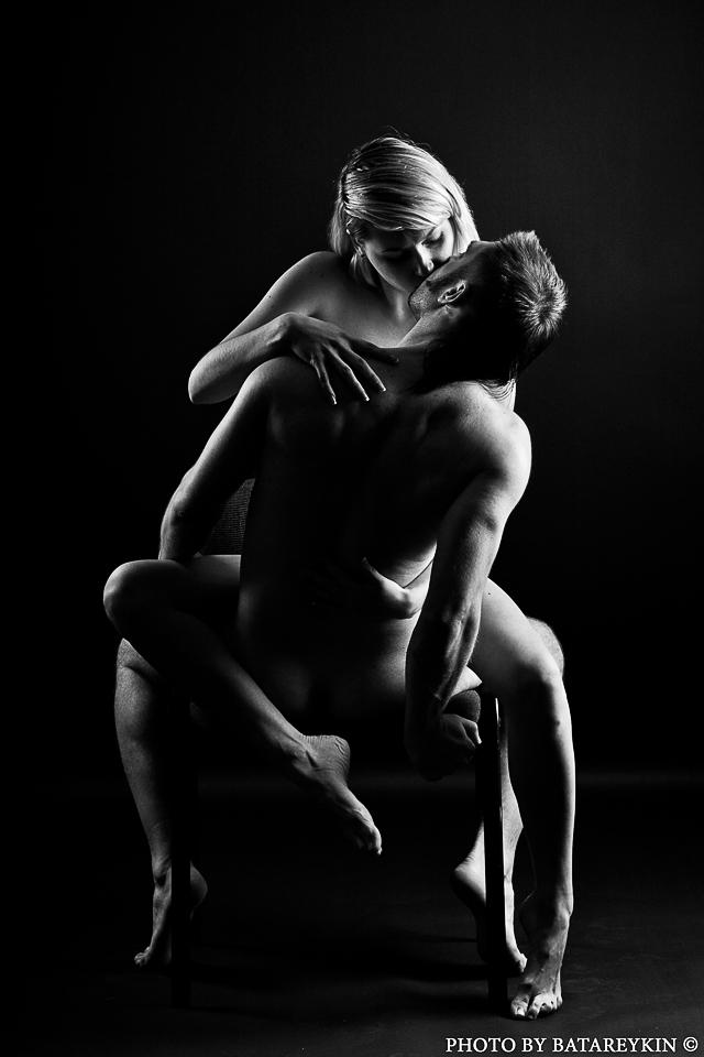 Сексуальные позы черно белые фото