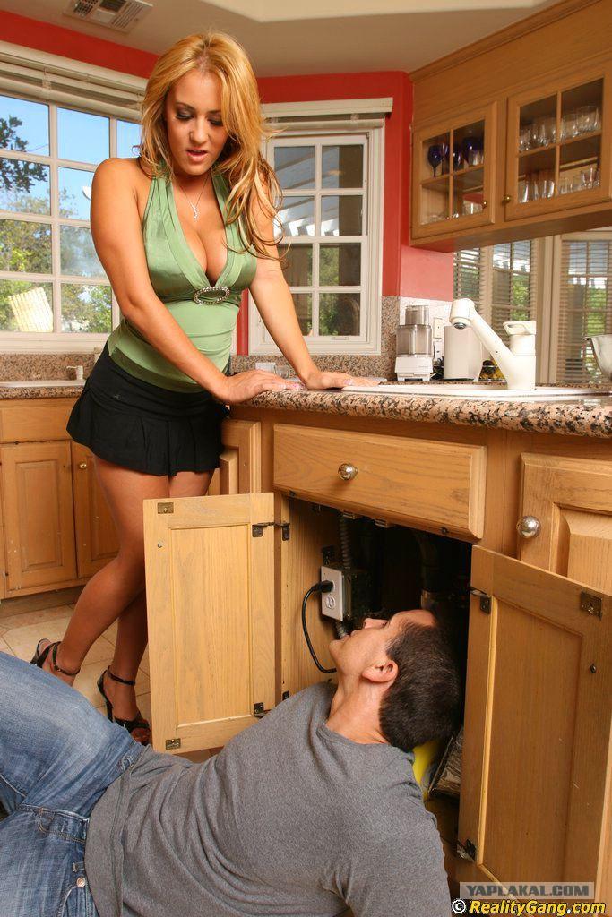 домохозяйки и накаченного самца - 10