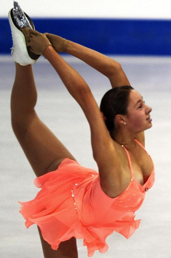 Реальные засветы у девушек на выступлениях спортсменки телеведущие балерины — img 3