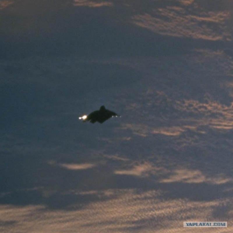 фото в космосе нло