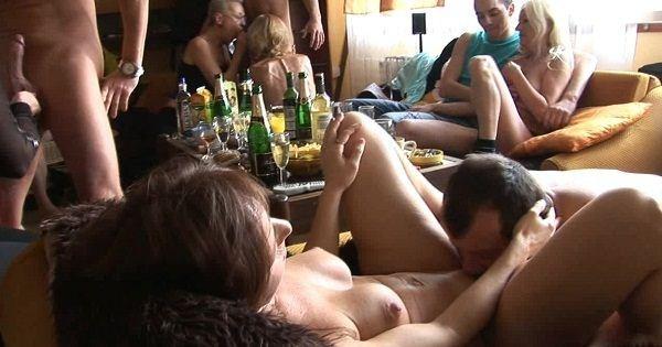 эротика студия клубничка пьяные парни
