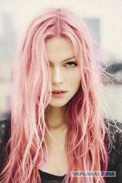Девушка с цветными волосами фото