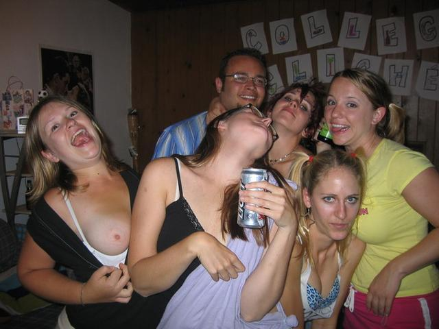 college-party-drunk-chicks-sexy-young-girls-naked-polish