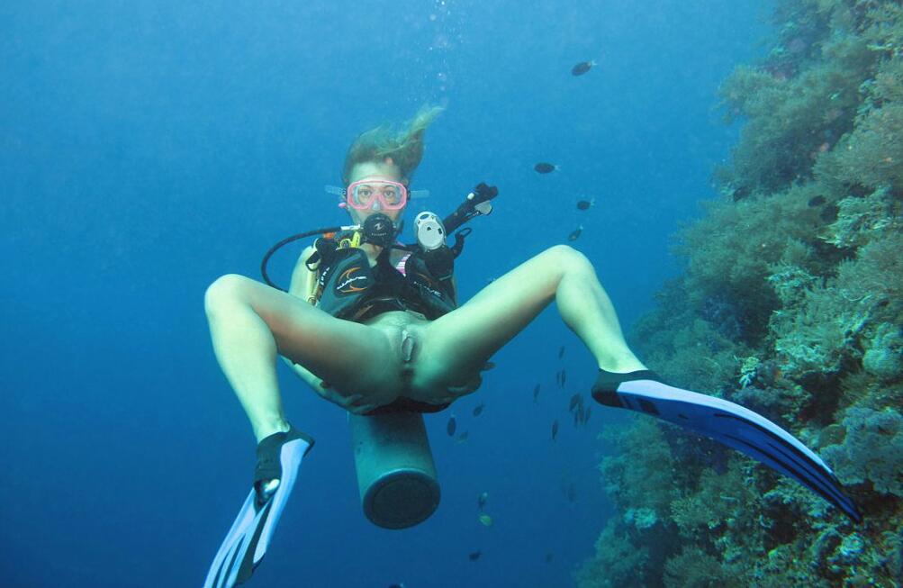 Подводные фото голых