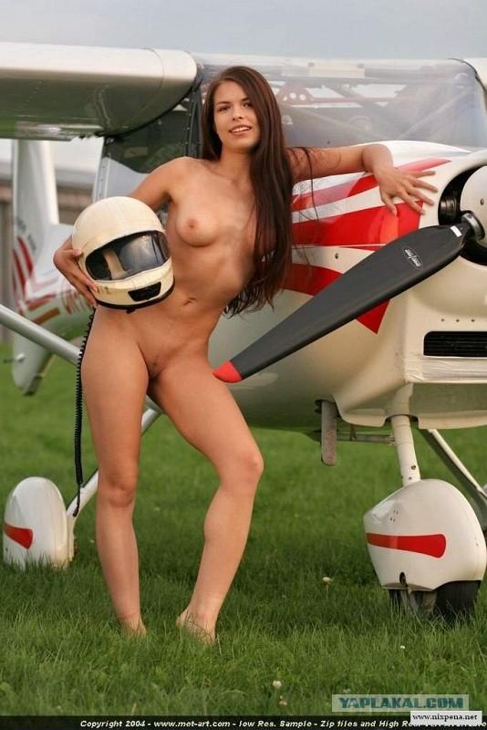 Nikki pilot nude
