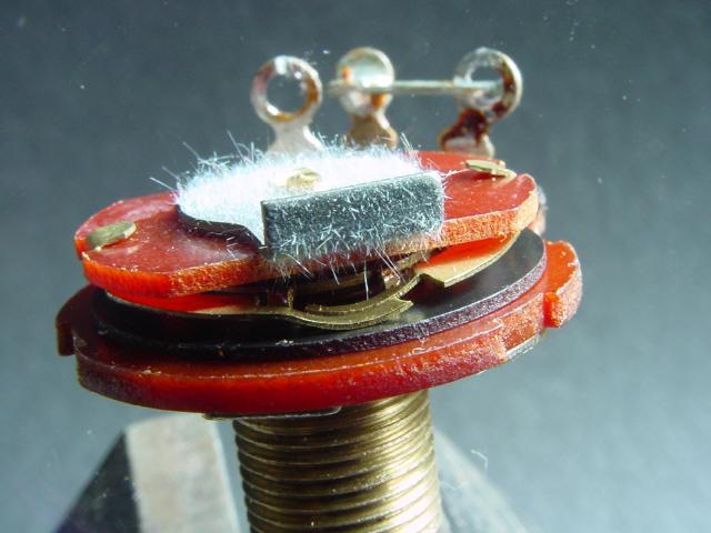 Оловянные нитевидные кристаллы в электронной технике