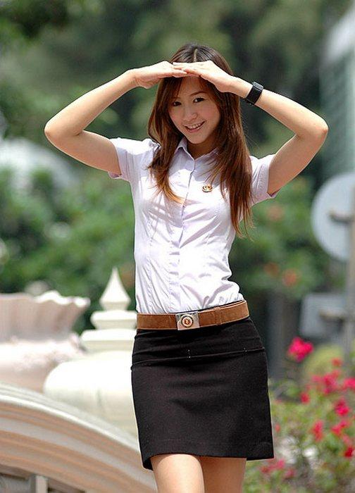 Девочка одевается в школу эротика фото 176-289