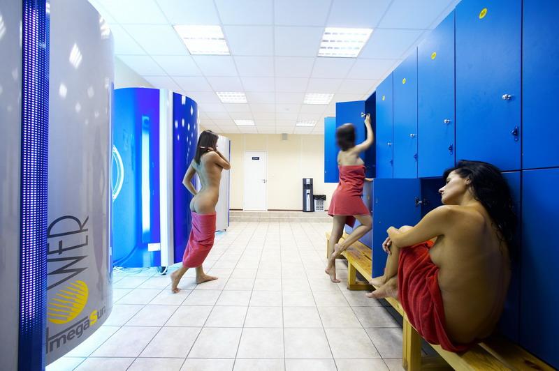 video-realnogo-seksa-v-russkoy-razdevalke-fitnes-kluba