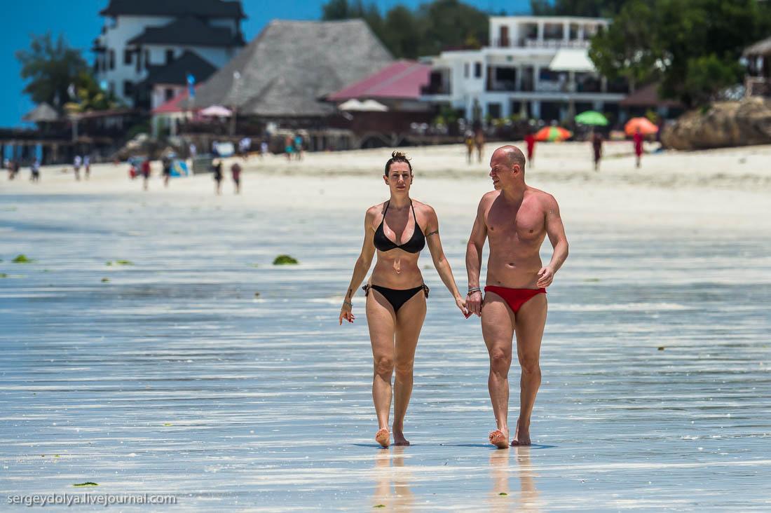 показать видео пляж обнаженных женщин в европе