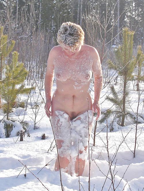 этот голые зрелые женщины зимой это вам несвойственно