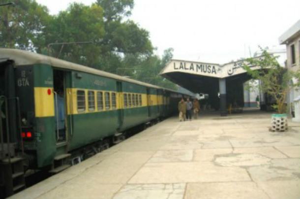 25 самых ужасных железнодорожных катастроф