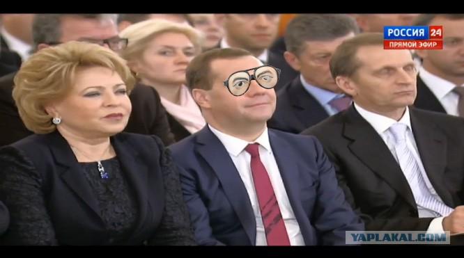 Заснет ли Медведев на обращении Путина? - ЯПлакалъ Спящий Медведев Фотожабы
