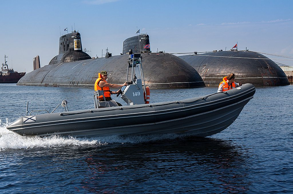 фото подводные лодки класса тайфун северсталь море, особое внимание