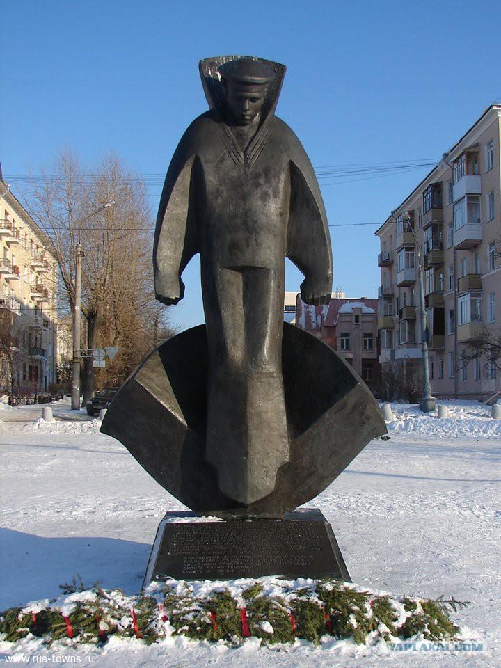 Памятник соловецким юнгам в архангельске фото