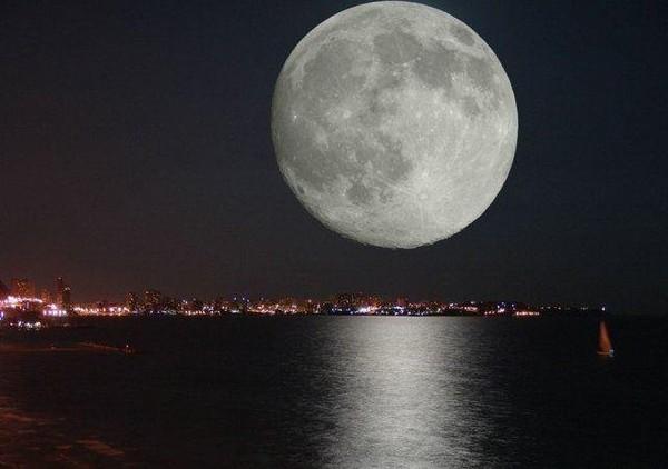 Картинки по запросу огромная луна