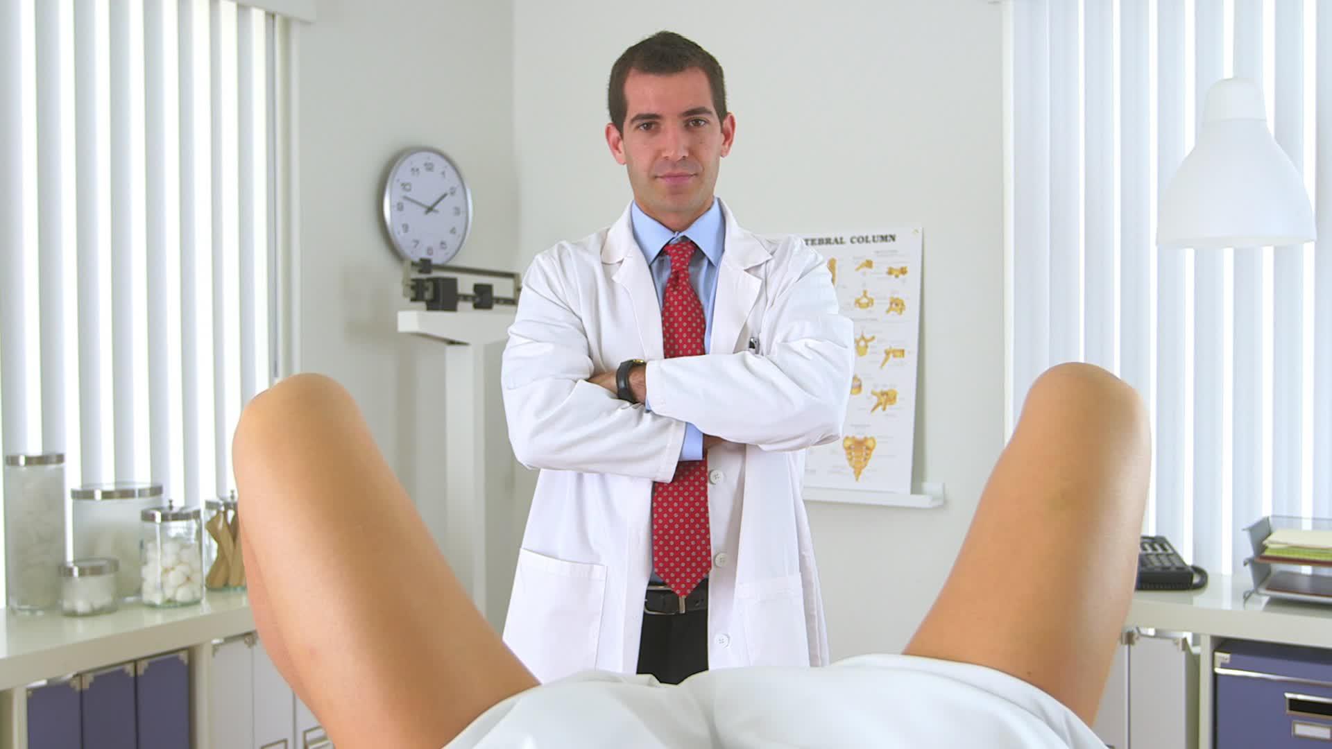 Порно на осмотре у вроча