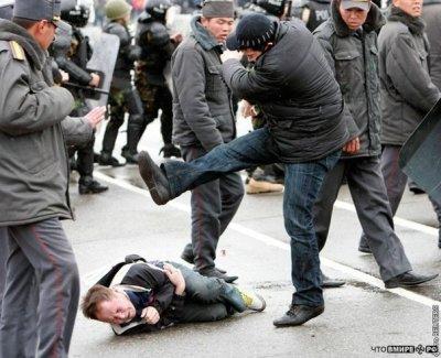 Массовая драка военнослужащих в РФ: сотня пьяных контрактников напала на казарму гарнизона с ножами и заточками - Цензор.НЕТ 1110