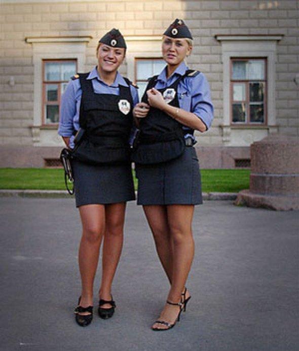 Пышногрудые сотрудницы полиции фото в бикини смотреть онлайн, анна семенович в постели