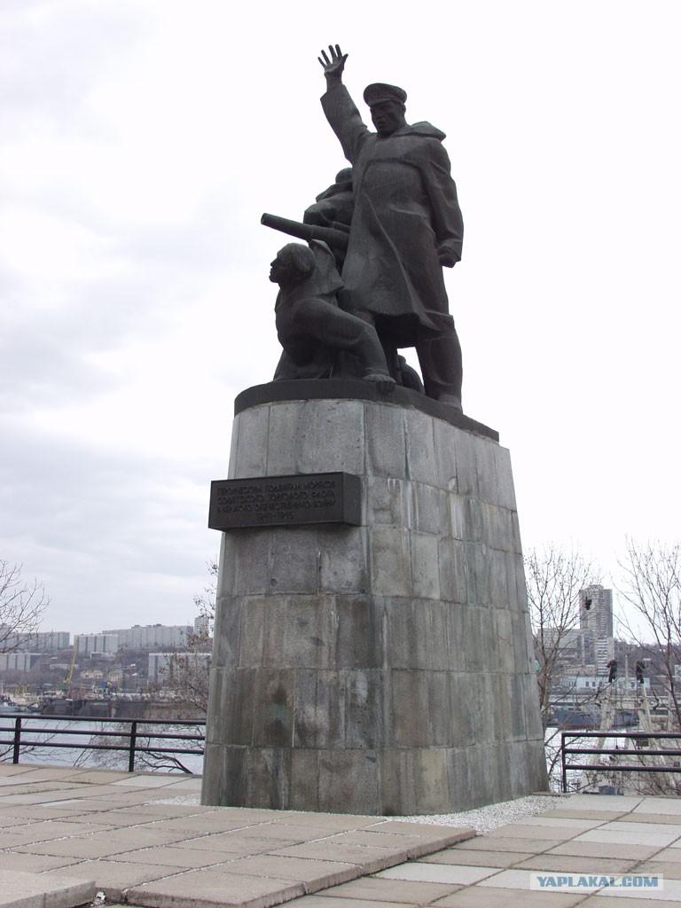отличный альтернативный памятник морякам торгового флота фото самом