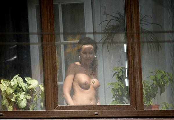 kto-podglyadival-za-sosedkoy-porno-foto-krasivih-rakom-foto