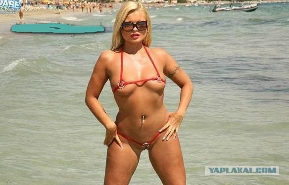 девушки в микро стрингах фото на пляже