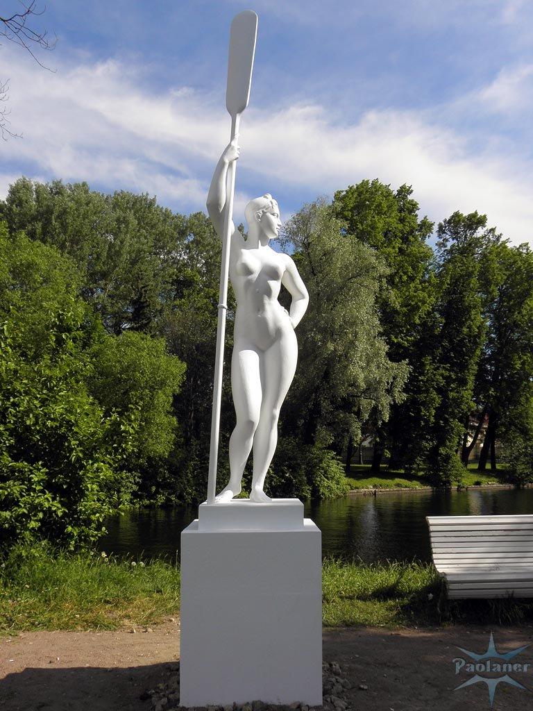 Памятник с семейный Берёзовский, Свердловская обл. Памятник с крестом на просвет Светогорск
