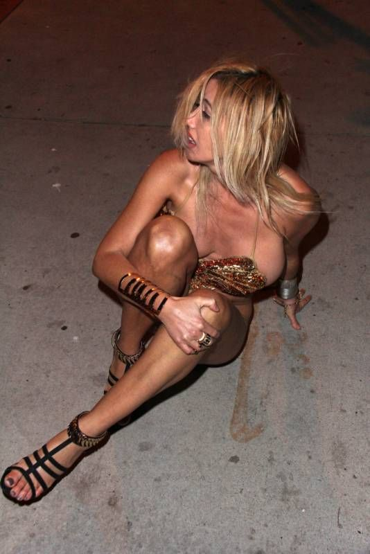 Пьяные звезды фото российские обнажаются