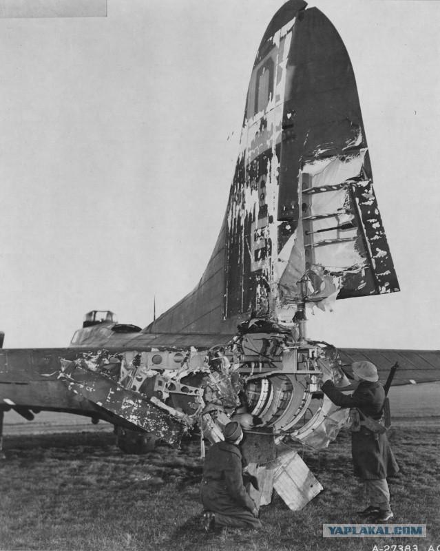 Картинки по запросу б-17 после обстрела дотянули