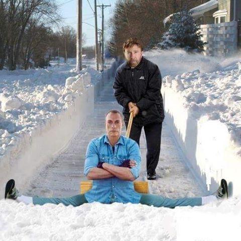 А как в вашем регионе убирают снег?