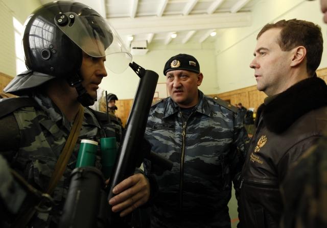 Тюменский полицейский стал инвалидом после «посвящения» в омоновцы