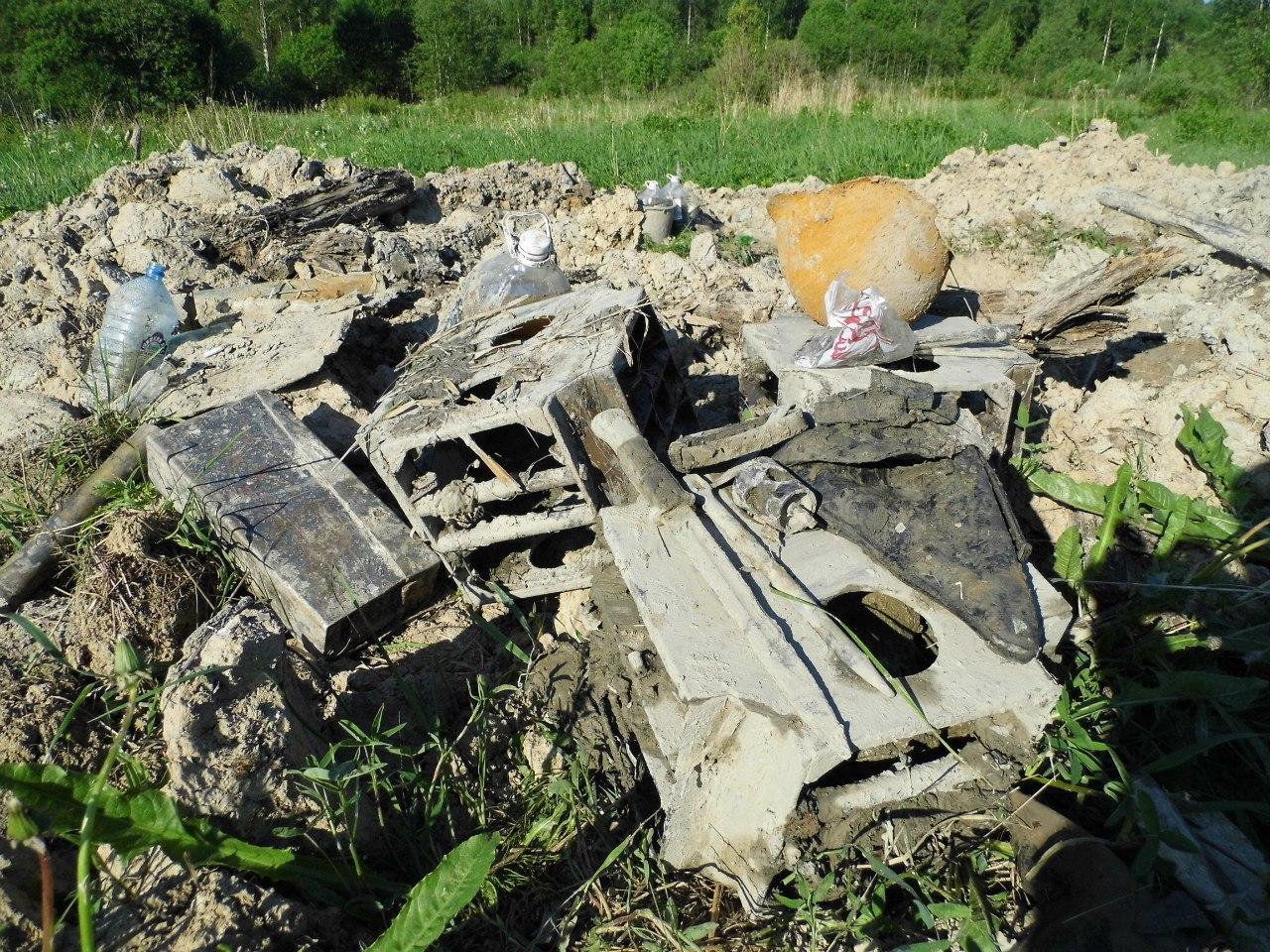 Раскопки немецкого блиндажа в ленинградской области (40 фото.