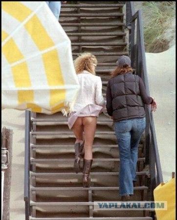 Ветер задувает под юбки
