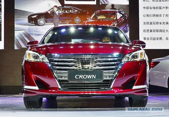 toyota crown majesta с левым рулём