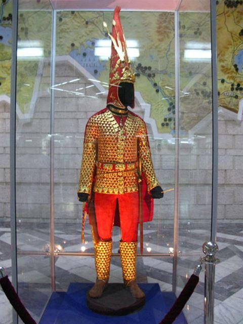 Вайбер, золотой человек картинки казахстан