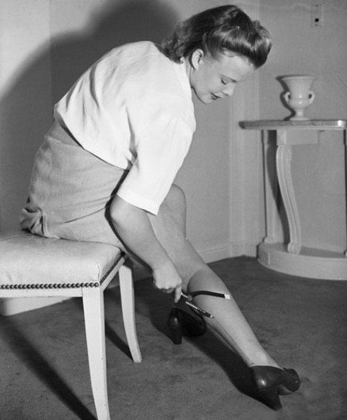 Почему женщины начали брить ноги и подмышки