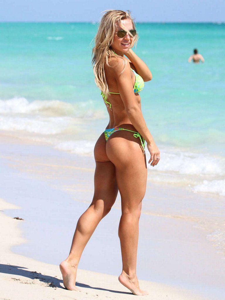 катя на пляже фото