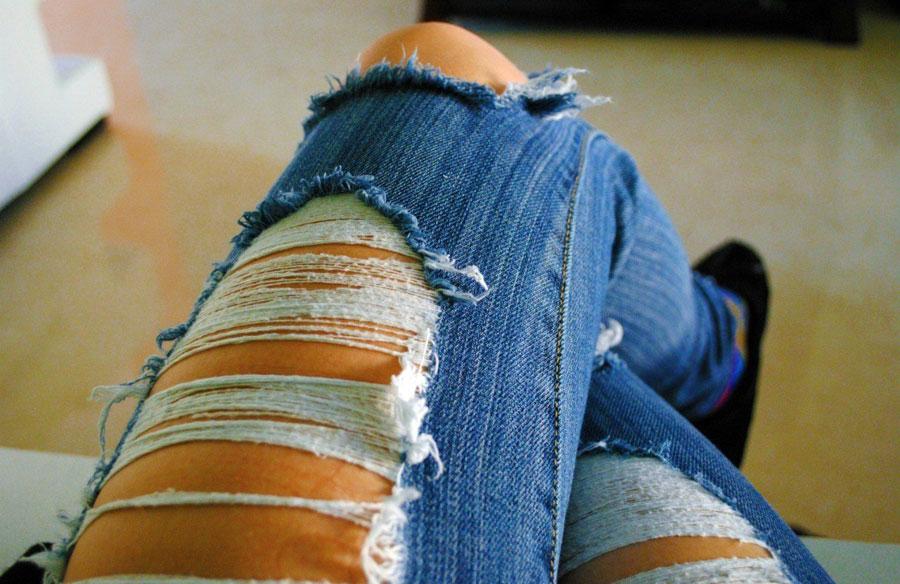 видео много девчонок в джинсах улица наивный