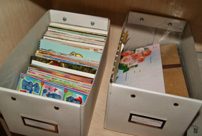 как долго хранить открытки сразу