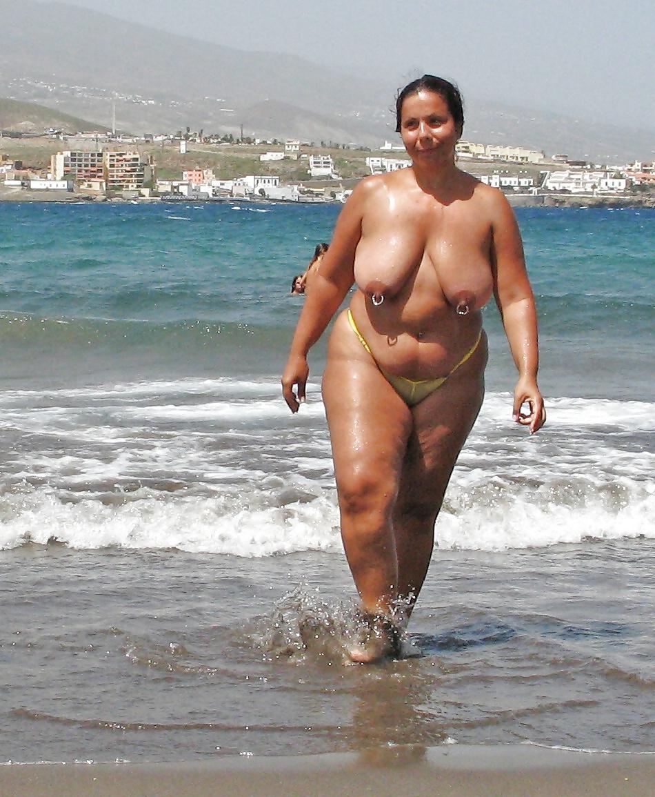 Толстые женщины на пляже порно