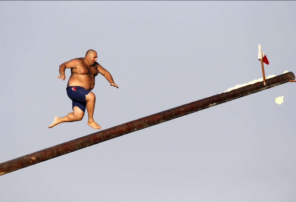 Стоматологами прикольные, смешная картинка с бегущим человеком