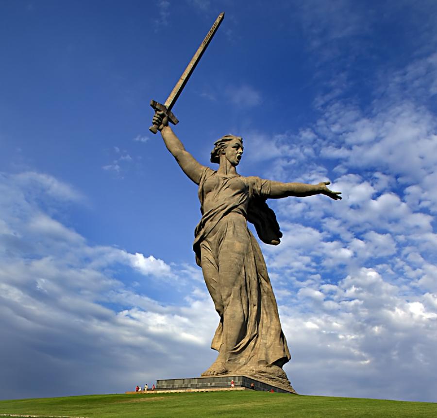 известные памятники в россии в честь победы спб