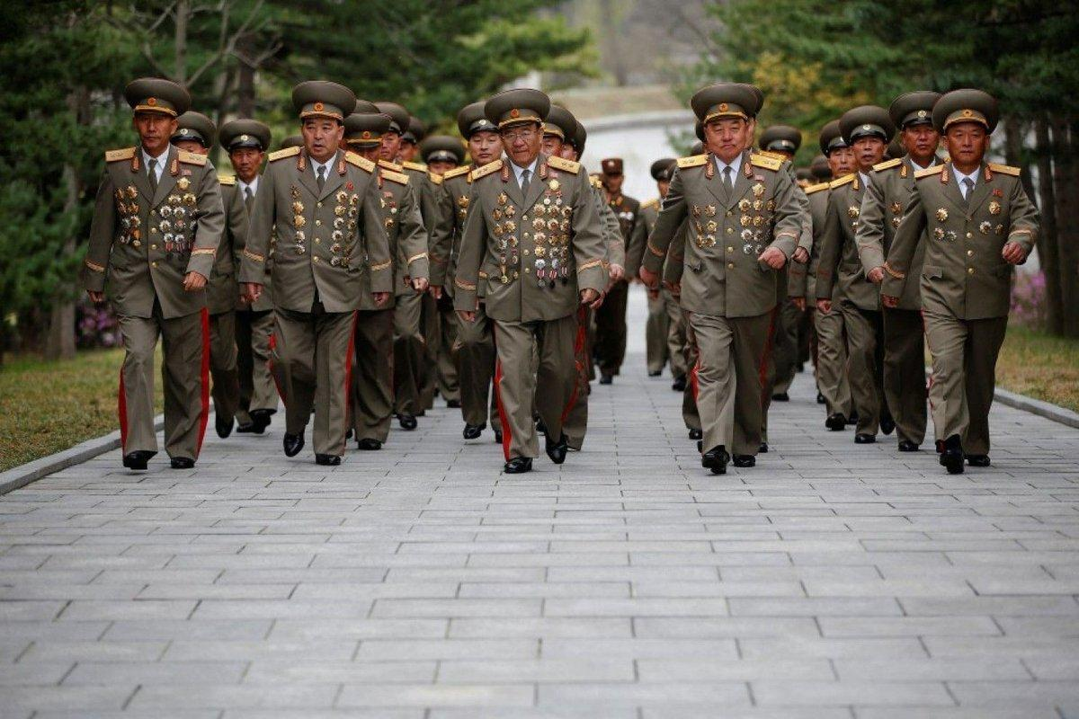 полководцы северной кореи фото поднимет