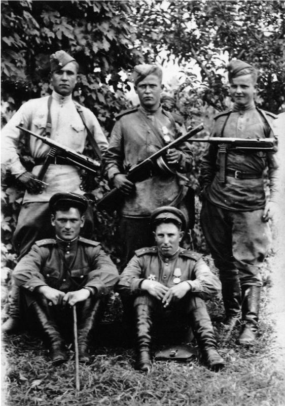 1944. Небольшая подборка военных фотографий