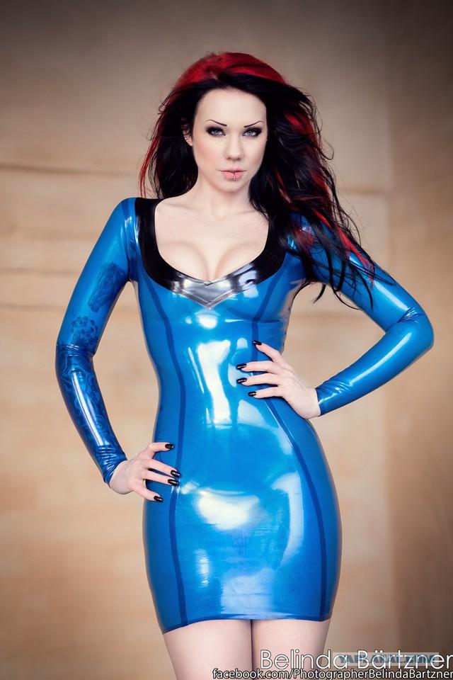Redhead Shows Tits In Tight Blue Latex Dress