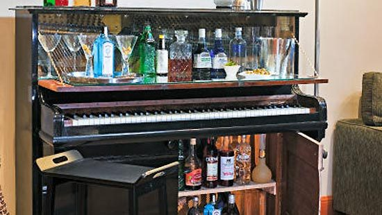 Look Piano Guts As Wall Decor Pianos Old Piano Turned Into A Bar